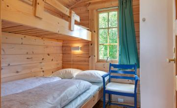 Pluscamp Ballangen Camping, Cabin 30 sqm, 3-4 persons